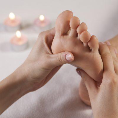 Massage des pieds - Réflexologie plantaire - Institut Pyrène